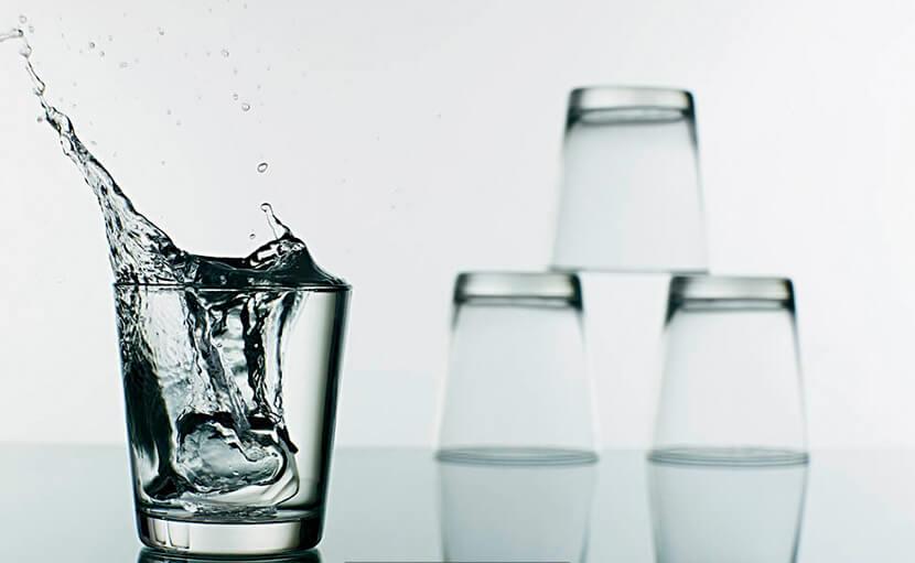 বয়সের ছাপ বা বলিরেখা দূর করতে পর্যাপ্ত পানি পান করতে হয় - shajgoj.com