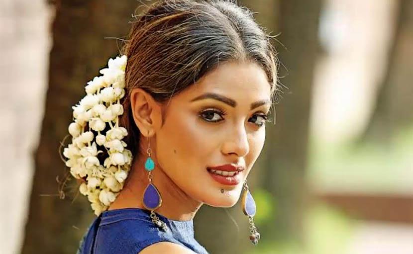 ফুল দিয়ে খোঁপা সাজানো - shajgoj.com