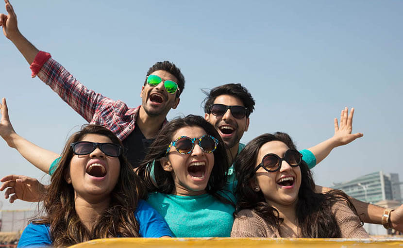 চোখের অ্যালার্জি সমস্যা এড়িয়ে চলতে সানগ্লাস ব্যবহার - shajgoj.com