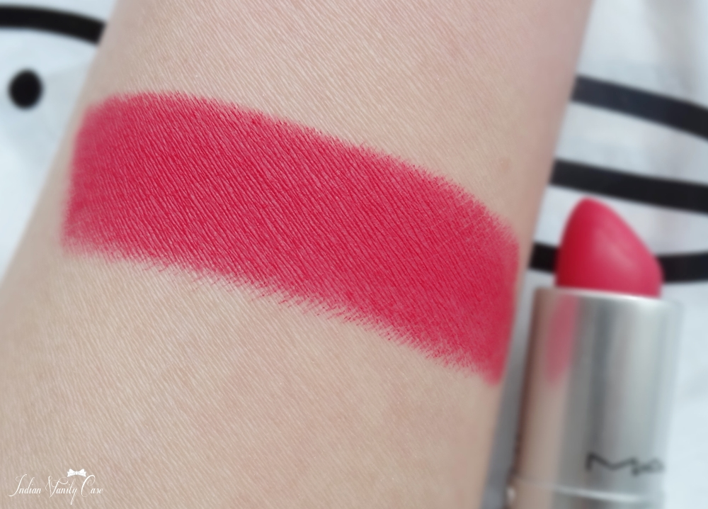 mac-all-fired-up-lipstick-swatch