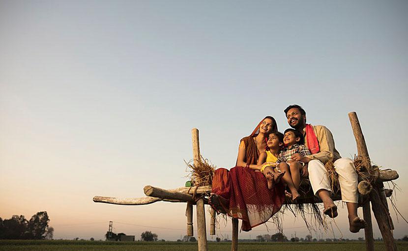 ঈদের দিন পরিবারের সাথে গ্রামের বাড়িতে -  shajgoj.com