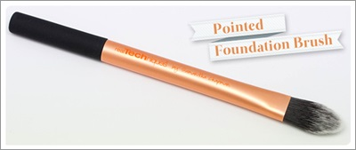 Real-Techniques-Pointed-Foundation-brush