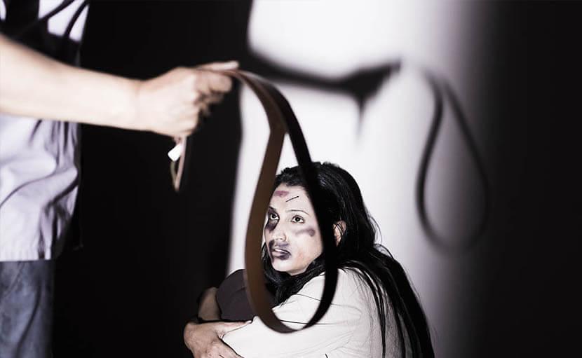 স্ত্রীর উপর শারীরিক ও মানসিকভাবে নির্যাতিত সন্তানের উপর প্রভাব ফেলে - shajgoj