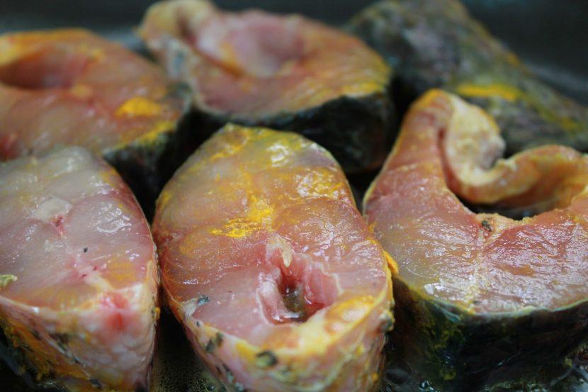 রুই মাছের মজাদার কোফতা কারির জন্য রুই মাছের বড় টুকরা - shajgoj