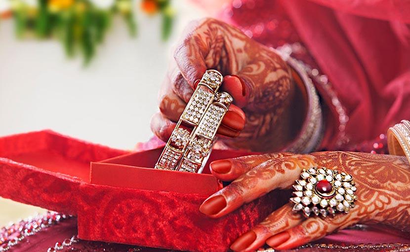 নতুন বৌয়ের জন্য জুয়েলারি বক্স - shajgoj.com
