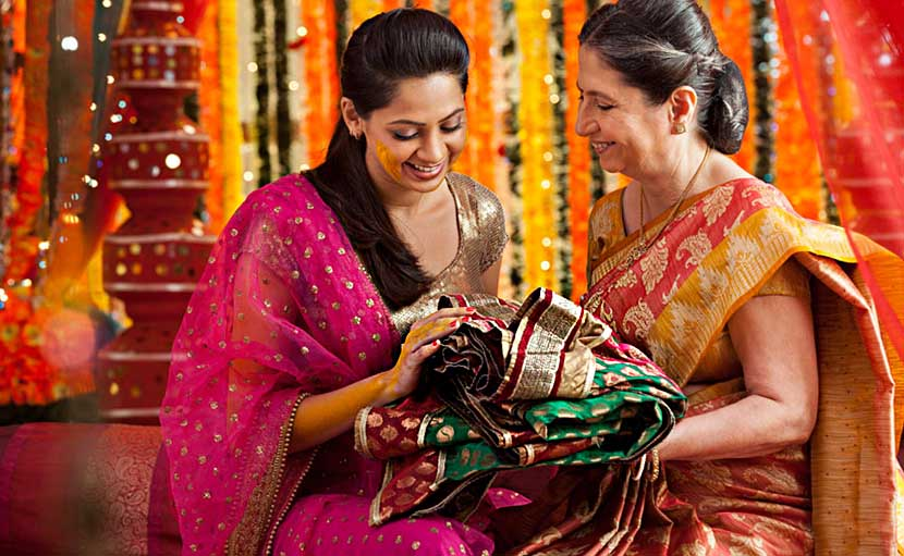 নতুন বৌয়ের জন্য শাড়ি - shajgoj.com