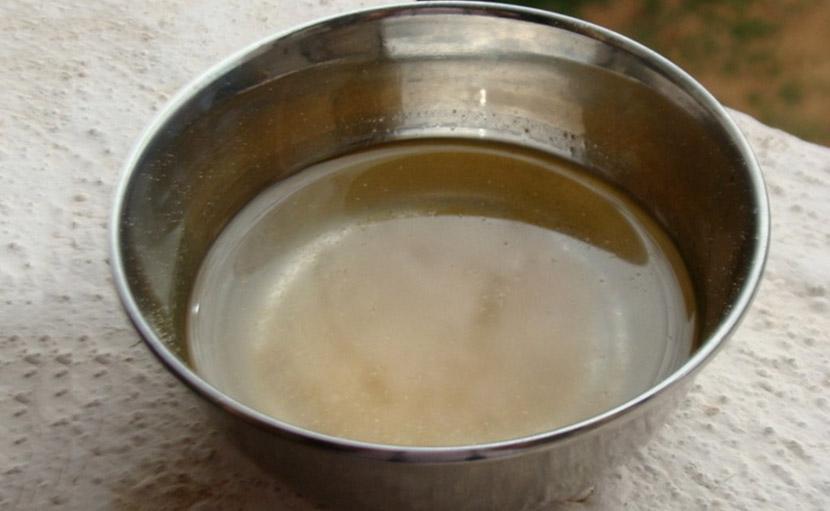 চুলের অকালপক্কতা সমস্যা রোধে নারিকেল তেল ও মেথির মিশ্রণ - shajgoj