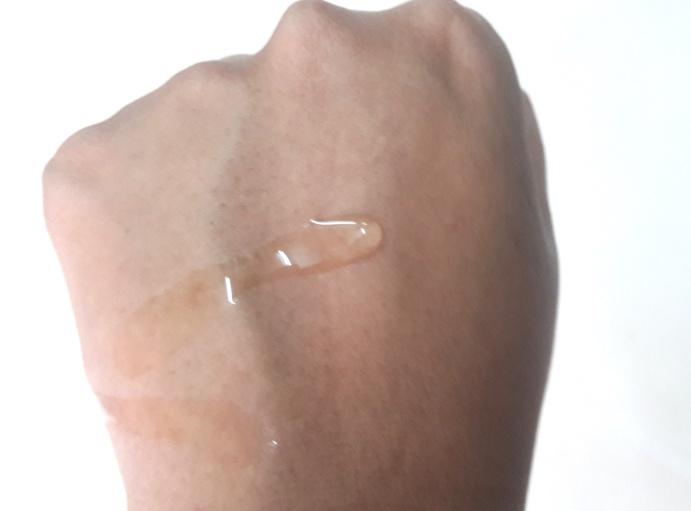 রিঙ্কেল-বয়সের ছাপ দূরে রাখতে COSRX galactomyces tone balancing essence এর ইউজ- 2 - shajgoj.com