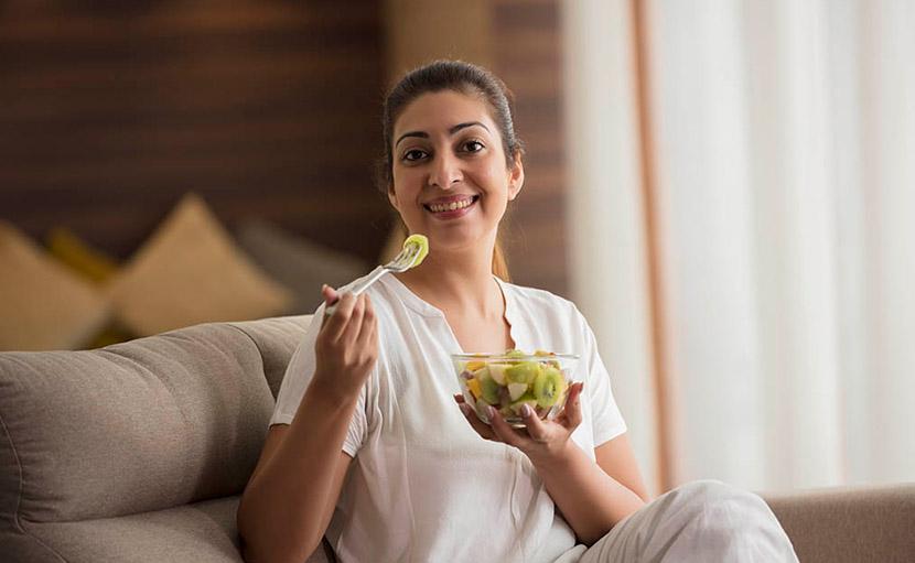 ড্রাই স্কিনের যত্নে ভিটামিনযুক্ত সবজি খাওয়া হচ্ছে - shajgoj.com