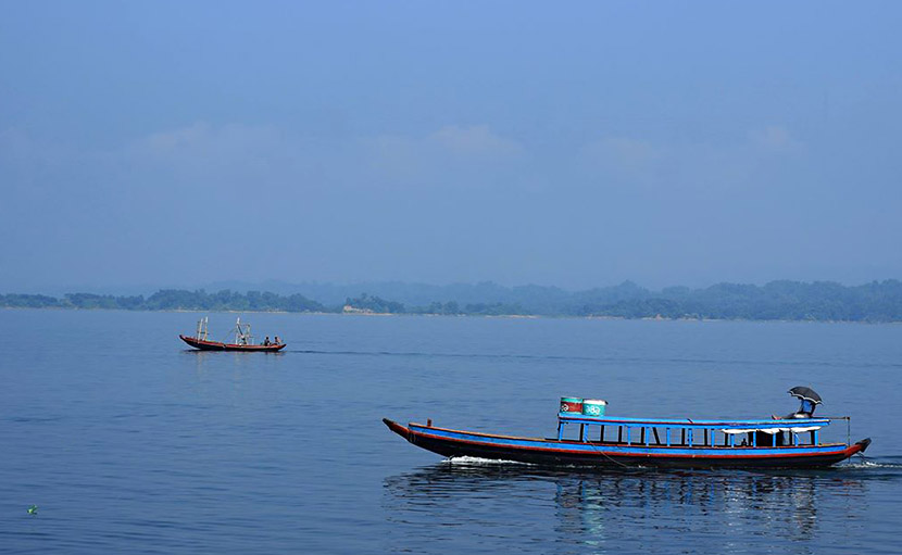 কাপ্তাই লেকে নৌকা বা বোটের ব্যবস্থা - shajgoj.com