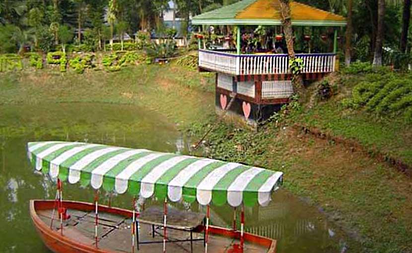 জিন্দা পার্কে নৌকা ভ্রমণ ব্যবস্থা - shajgoj.com