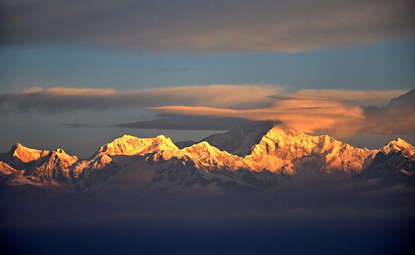 তেঁতুলিয়া থেকে কাঞ্চনজঙ্ঘা পর্বতশৃঙ্গ - shajgoj.com