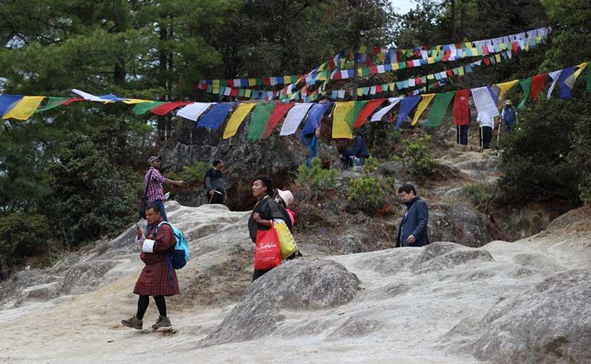 পাহাড়ের দেশ ভুটান - shajgoj.com